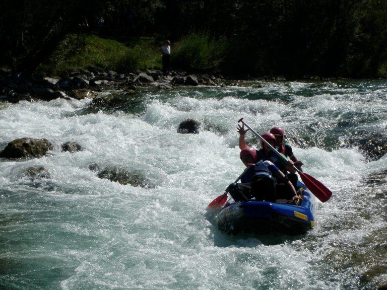 Rafting_Schlauchkanadier_Stromschnelle_Isarburg_Wasser_Fluss